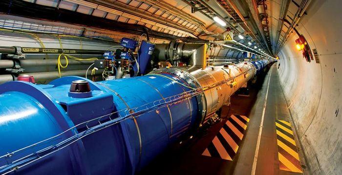 Il y a des gens qui disent que la construction d'un nouveau accélérateur de particules plus puissant, car on ne trouvera plus de nouvelles particules. On peut critiquer le LHC sur bien des points, mais quand je vois des gens qui le critiquent sans aucun fondement, alors on se demande si le bucher des sorcières est bien éteint.